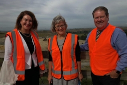 Associate Environment Minister with Hastings Mayor Sandra Hazlehurst and Napier Mayor Bill Dalton at Omarunui Landfill Small